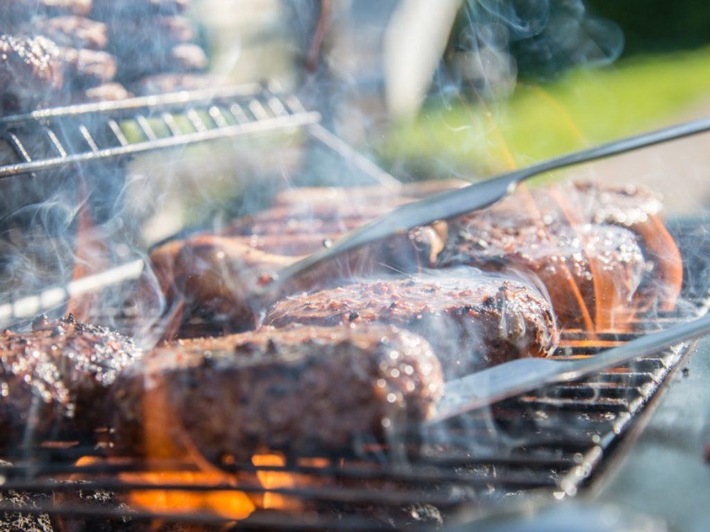Como fazer churrasco: um guia para iniciantes